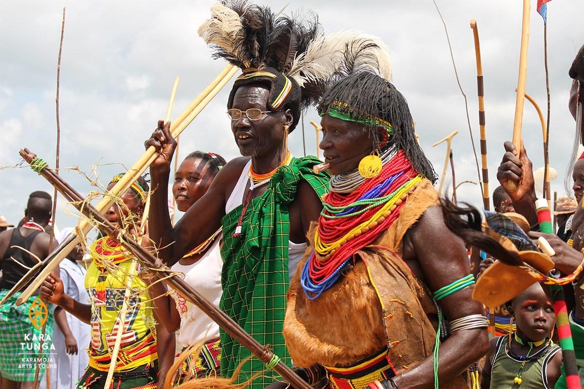 Tribu Karamanjong - Circuit en Ouganda