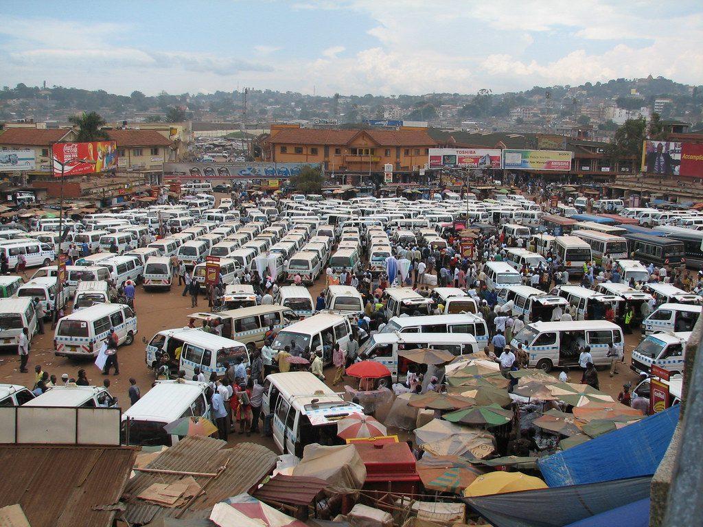 Kampala, Station de bus