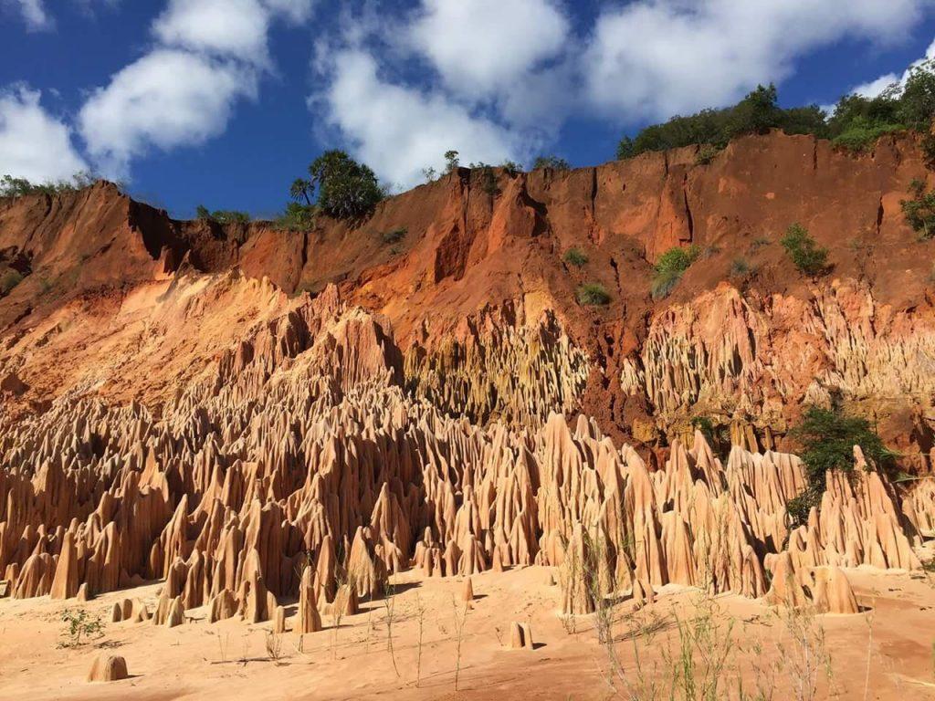 tsingy-ankarana-rouge-madagascar