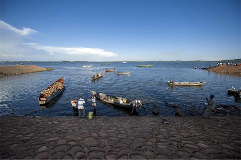 Lac en Ouganda, voyage aventure en Ouganda