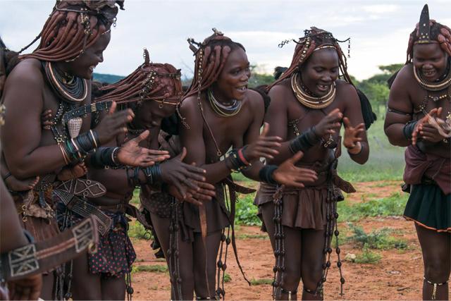 Femmes Himba - - Voyage en Namibie chez les Himba