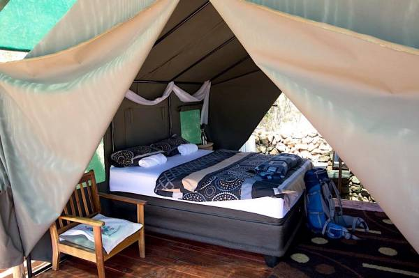 Spitzkoppe_mountain_tented_camp